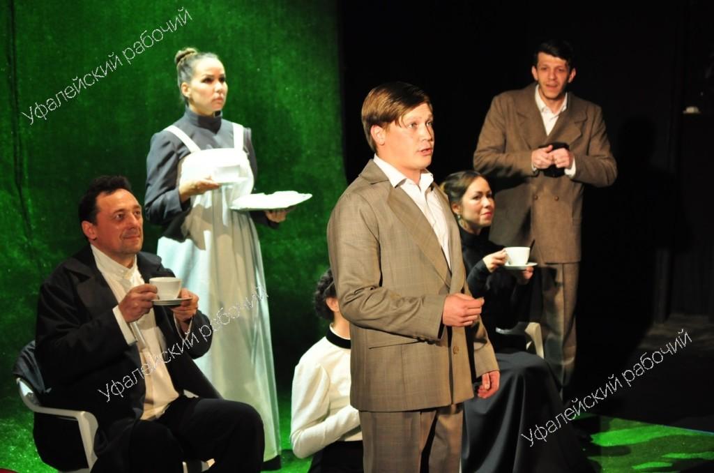 Прямая трансляция спектакля «Овраг» из Москвы